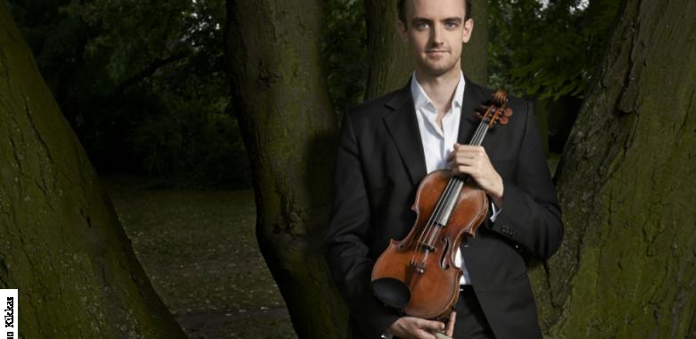 Writhlington Welcomes World Famous Musician